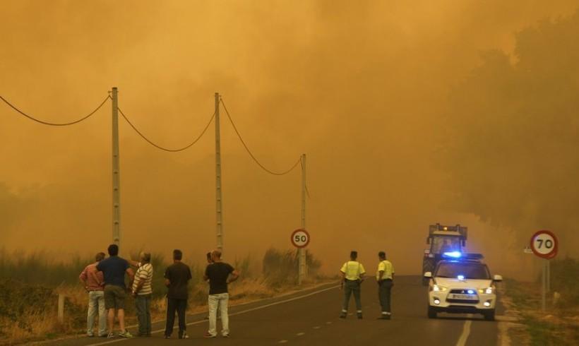 2.000 hectáreas arrasadas en el incendio de Viana, Ourense
